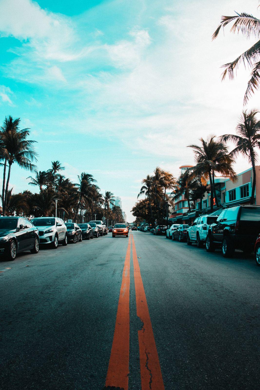 Beach parking in Anna Maria Island