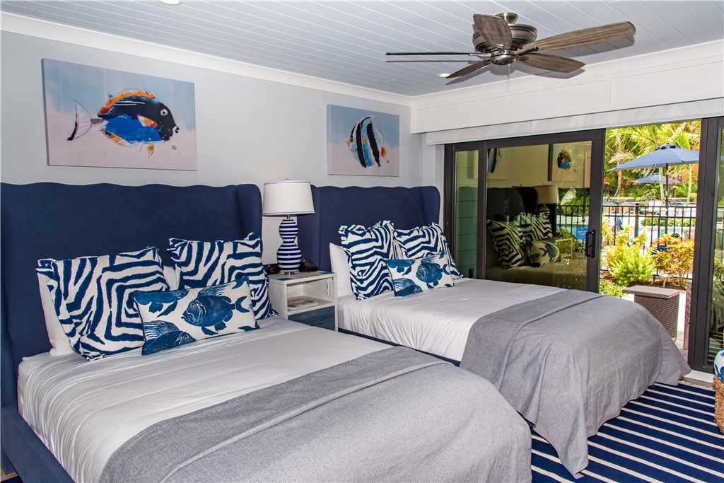 Two queen beds in Anna Maria Rental